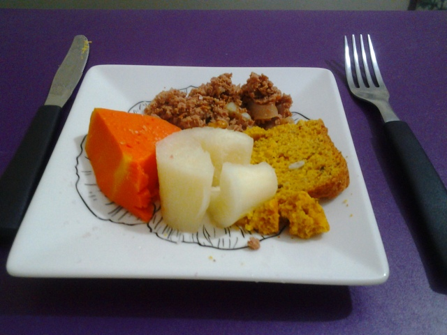 Jantar - Carne moída, abobora, aipim e pão sem glúten